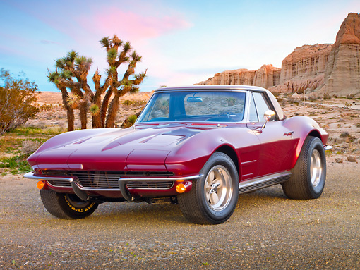 VET 03 RK0761 01 © Kimball Stock 1964 Chevrolet Corvette Burgundy 3/4 Front View On Gravel In Desert