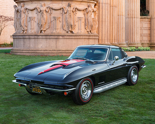 VET 03 RK0810 01 © Kimball Stock 1967 Chevrolet Corvette Black 3/4 Front View On Grass By Palace Of Fine Arts