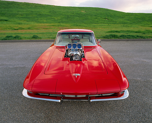 VET 03 RK0263 06 © Kimball Stock 1963 Chevrolet Corvette Split Window Head On Shot On Pavement