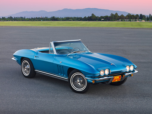VET 03 RK0595 01 © Kimball Stock 1965 Chevrolet Corvette Convertible Nassau Blue 3/4 Front View On Pavement By Grass