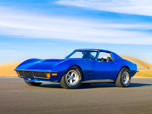 VET 05 RK0174 01 © Kimball Stock 1972 Chevrolet Corvette Coupe Blue 3/4 Front View Blue Sky