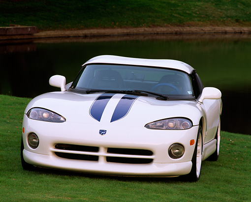 VIP 03 RK0023 04 © Kimball Stock 1996 Dodge Viper Coupe White 3/4 Front View On Grass